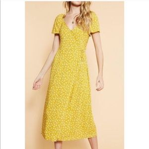 Floral Wrap Midi Dress - Mustard Scoop Back